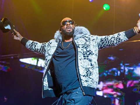 R.Kelly performing at one of his concerts