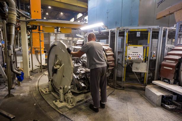 Realizowane przez VWP i firmę Veolia Energia Poznań przedsięwzięcie jest, według koncernu, unikatowym tego typu projektem w skali Europy. Na zdjęciu: Maszyny do odlewania głowic w odlewni koncernu Volkswagen AG w Poznaniu rpo/ dym/ fot. (mr) PAP/Marek Zakrzewski
