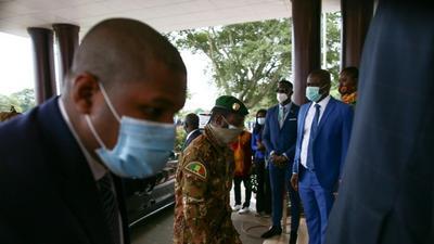 West Africa leaders press Mali junta over transition