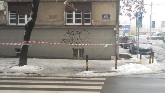 Ograđen prostor oko zgrade na Dorćolu