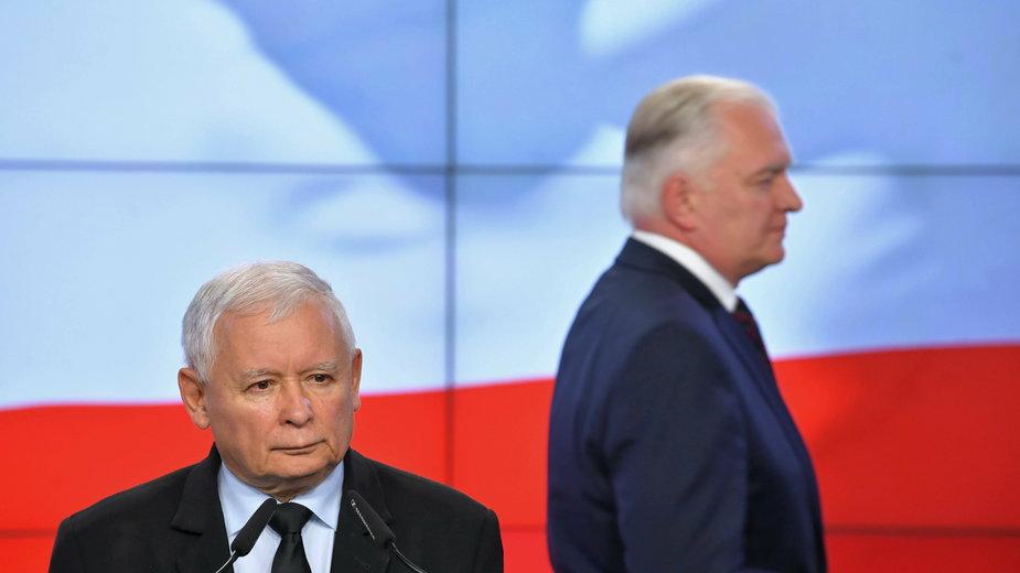 Prezes Prawa i Sprawiedliwości Jarosław Kaczyński i prezes Porozumienia Jarosław Gowin