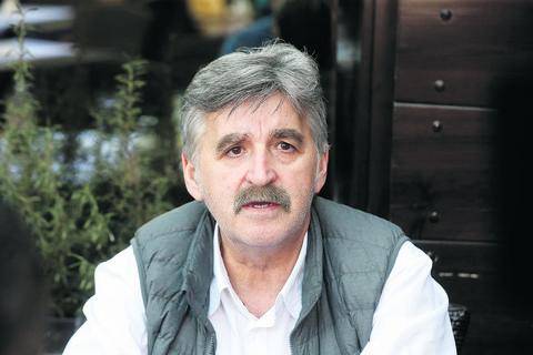 Puno košta: Dragan Stojković Bosanac se častio, i to PAPRENO!