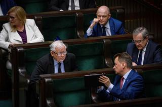 Sejm rozpoczął posiedzenie. Zajmie się poprawkami do bonu turystycznego i wnioskami o odwołanie szefów MS i MSWiA
