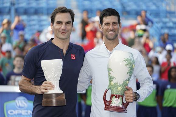 Novak Đoković i Rodžer Federer nakon nedavnog finala u Sinsinatiju