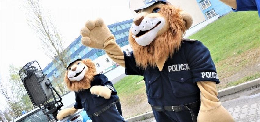 Lwy w mundurach zatańczyły dla małych pacjentów z Przylądka. Zobacz film!
