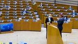 Biedroń w czerwonych włosach wyproszony z mównicy w Parlamencie Europejskim. O co poszło?