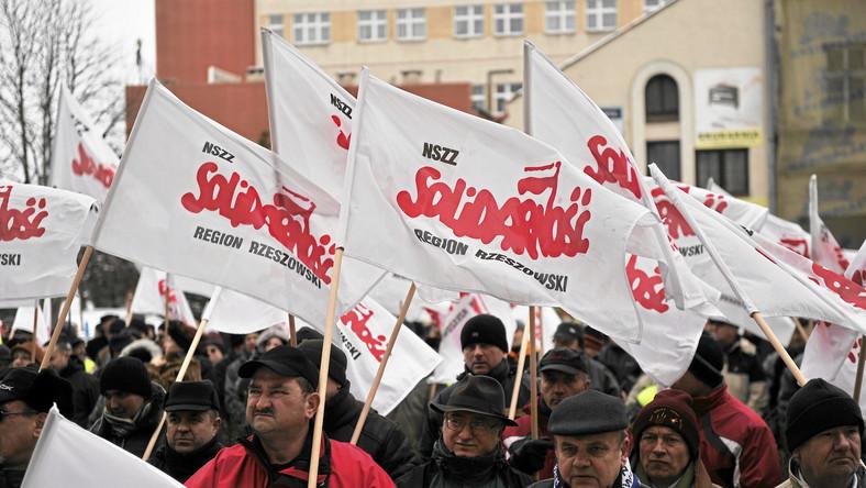 Związkowcy zaczynają planować strajk