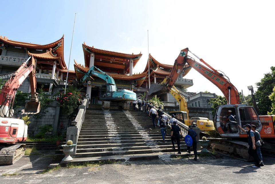 Świątynia w Ershui została zburzona