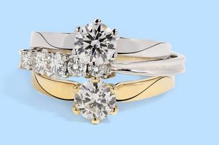 Biżuteria z brylantami nie tylko na zaręczyny! 7 najlepszych prezentowych okazji