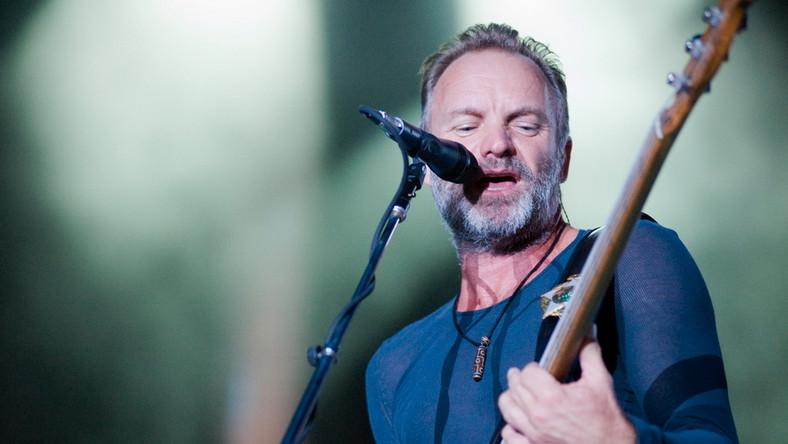 """Legenda rockowej sceny, Sting zagra 21 listopada w łódzkiej Atlas Arenie koncert w ramach trwającej od kilkunastu miesięcy trasy """"Back To Bass"""". Były wokalista grupy The Police przywoła ducha macierzystej formacji w takich szlagierach, jak """"Every Breath You Take"""" oraz zaprezentuje lwią część solowego repertuaru singlowego (m.in.: uwielbiane przez fanów """"Fields of Gold"""") w aranżacjach na gitarę basową i sekcję smyczkową"""
