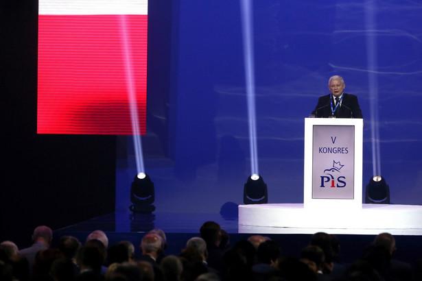 Prezes Prawa i Sprawiedliwości Jarosław Kaczyński podczas wystąpienia inaugurującego obrady kongresu PiS w Warszawie