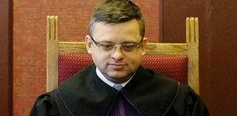 Bezwstydny sędzia stracił pracę za aferę z Emilią
