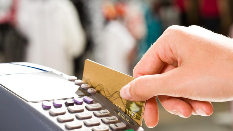 Płatność kartą - zdjęcie ilustracyjne