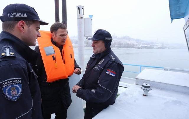 Na brodu je održana i sednica Gradskog štaba za vanredne situacije