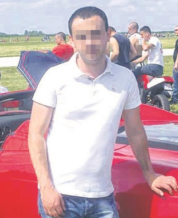 Vladimir P. je nakon nesreće stajao pored svog automobila, a izmereno mu je čak 2,12 promila alkohola u krvi