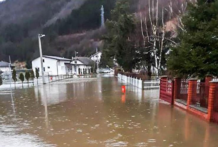 Jezero-poplave1