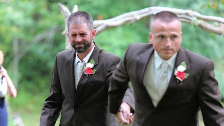 Todd Bachman inviting Peck's step dad, Todd Cendrosky, to help walk Peck down the isle
