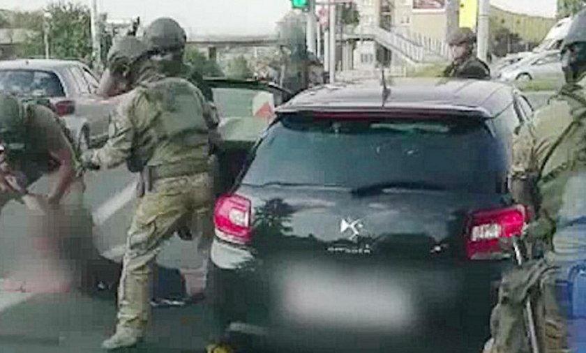 Kontrterroryści przyskrzynili bandziora, kiedy jechał samochodem