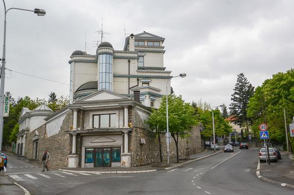 Cecina vila