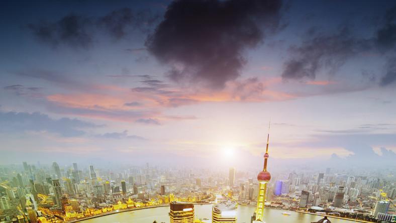 Walka o miano najwyższego budynku świata cały czas się toczy - wśród 100 najwyższych budynków tylko 36 ma ponad 10 lat, a aż 49 zostało oddanych do użytkowania w ostatnich pięciu latach