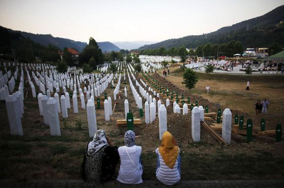 Mustafić: Srebrenica je odavno predmet manipulacija