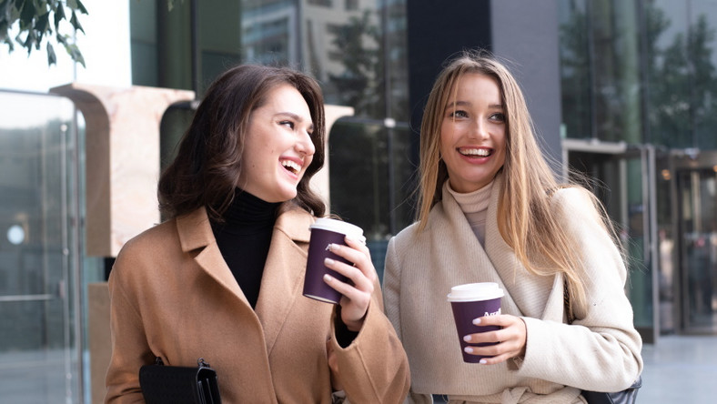 Spacer z kawą