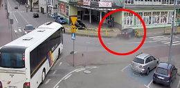 O włos od tragedii w Miastku! 25-latek omal nie zabił mężczyzny z dzieckiem [FILM]