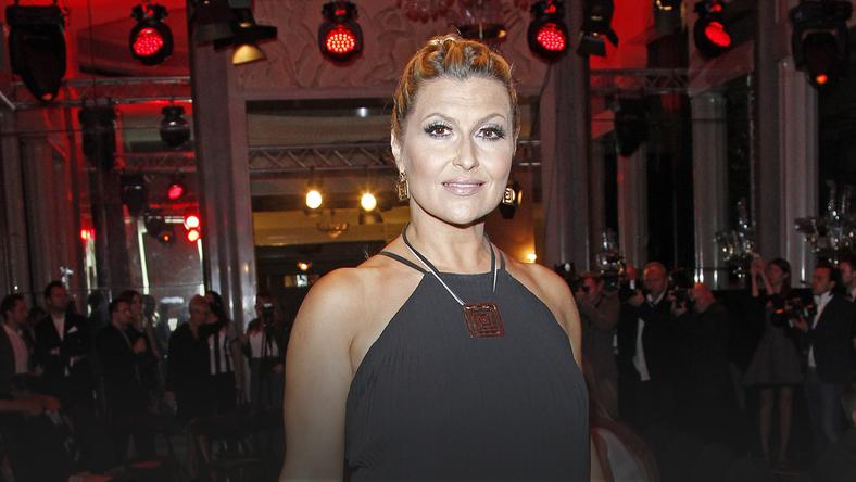 af50730a82 Katarzyna Skrzynecka w małej czarnej na pokazie La Manii - Moda