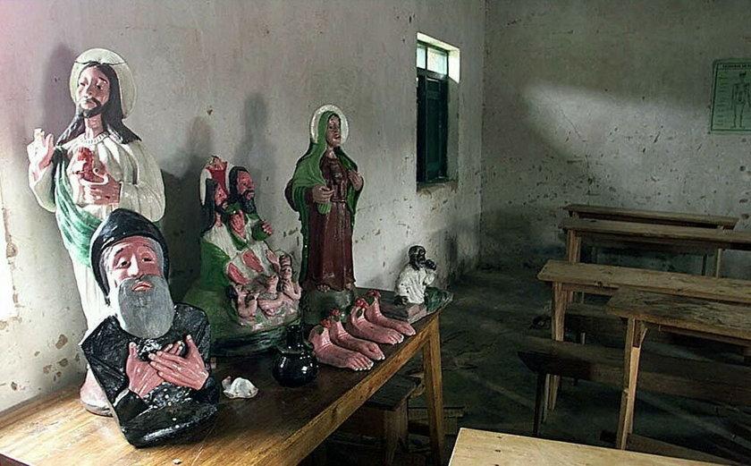 Zamknięto ich w kościele. Drzwi i okna zabito deskami, a potem spalono żywcem
