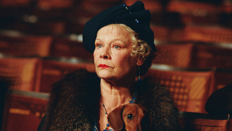 "Judi Dench jako ""Pani Henderson"""