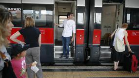 Włochy - na dworcach kolejowych w Rzymie, Mediolanie i Florencji znów pracują bagażowi; można ich wezwać smartfonem