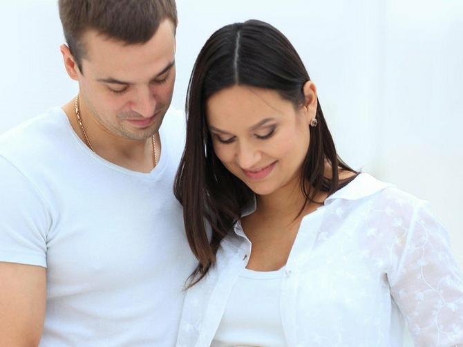 Dete se razvija u stomaku majke, posle rođenja najjaču vezu ima sa njom. Ali u jednom periodu razvoja deteta posebno je važan OTAC