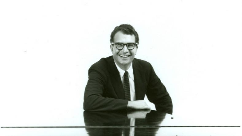 Dave Brubeck był pianistą i kompozytorem, kierował też własnym zespołem Dave Brubeck Quartet. Zasłynął jako pianista innowator, który łamał obowiązujące konwencje jazzu. Komponował też symfonie. Za swojego mistrza uważał francuskiego kompozytora Dariusa Milhaud