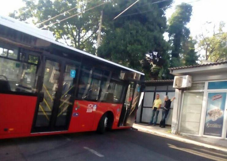 autobus nesreća zvezdara