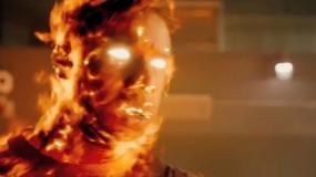"""""""Fantastyczna czwórka"""": Michael B. Jordan Człowiekiem-Pochodnią w nowym teaserze"""