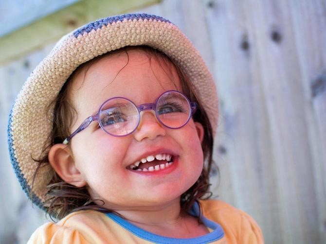 Ranije uočeni očni problemi kod dece lakše se rešavaju. A kada je vreme za prvi pregled?