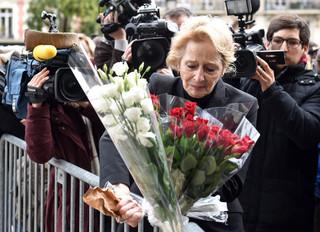 Paryż: Liczba ofiar piątkowych zamachów wzrosła do 132