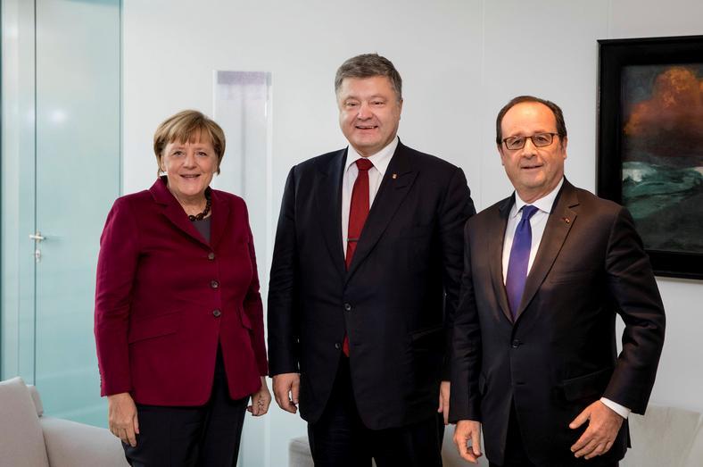 Angela Merkel, prezydent Ukrainy Petro Poroszenko i były już prezydent Francji Francois Hollande