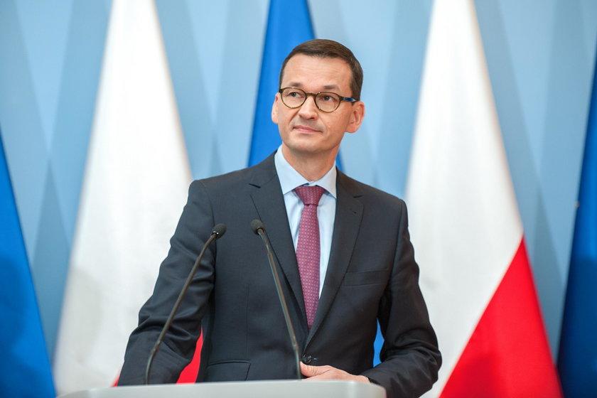 Afera z szefem KNF uderza w Morawieckiego