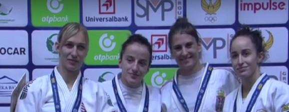 Na slici su: Eva Černovicki, Distria Krasnići, Milica Nikolić i Žoana Diogo