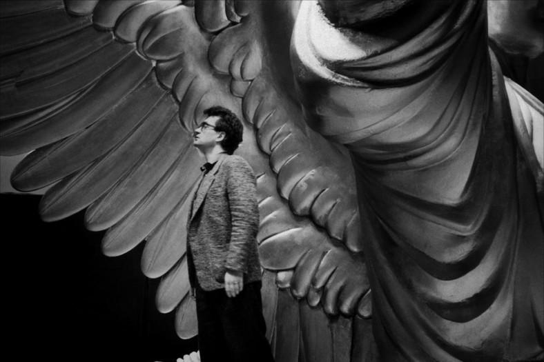 "Wim Wenders na planie filmu ""Niebo nad Berlinem"" (1987)"