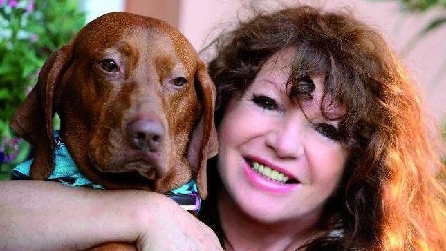 """Zalatnay Sarolta szerint kutyái olvasnak a gondolataiban: """"Okosabbak annál, mint amit gondolunk róluk"""""""