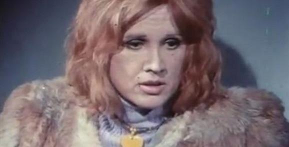 """Uloga prostodušne uličarke u filmu """"Žuta"""" (1973) donela joj je """"Zlatnu arenu"""" na festivalu u Puli. Žutu je igrala i u pozorištu."""