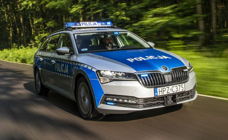 Policja - Skoda Superb