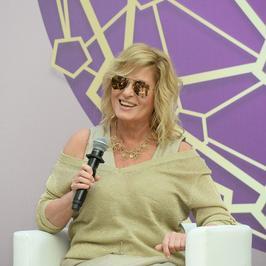 Ewa Kasprzyk zagrała nóżką na prezentacji kosmetyków