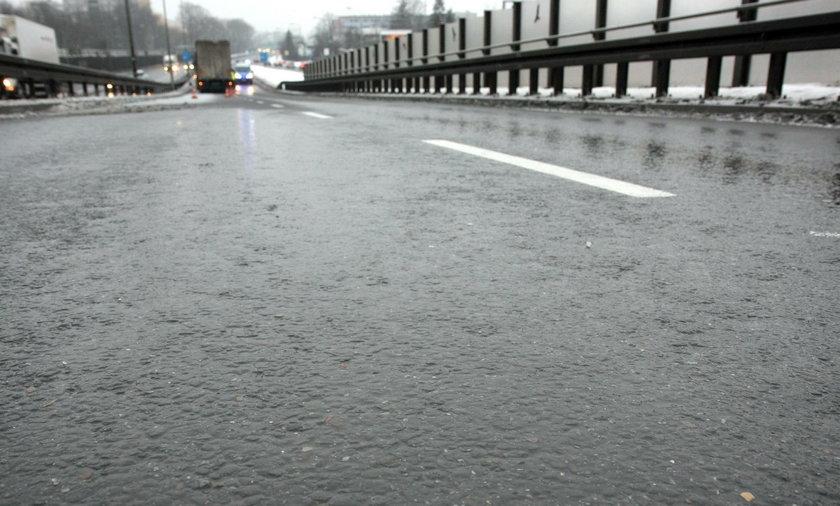 Na polskich drogach jest ślisko i niebezpiecznie