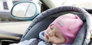 Jaki VAT i CIT wystąpi przy sprzedaży samochodowych fotelików do przewozu dzieci