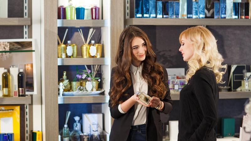 zakupy sprzedawaca sklep perfumeria