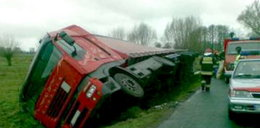 Kierowca tira utknął w rowie! FOTO