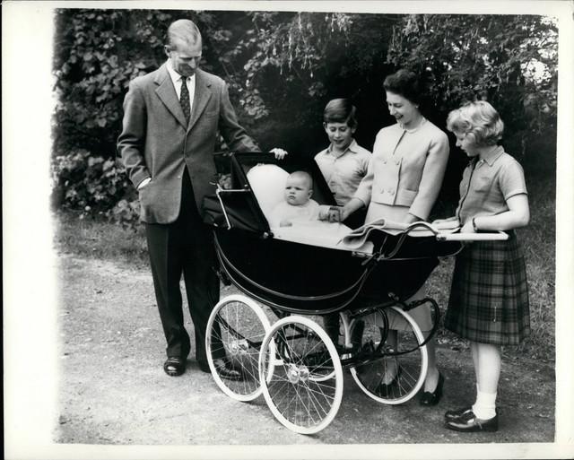 Mlada kraljevska porodica